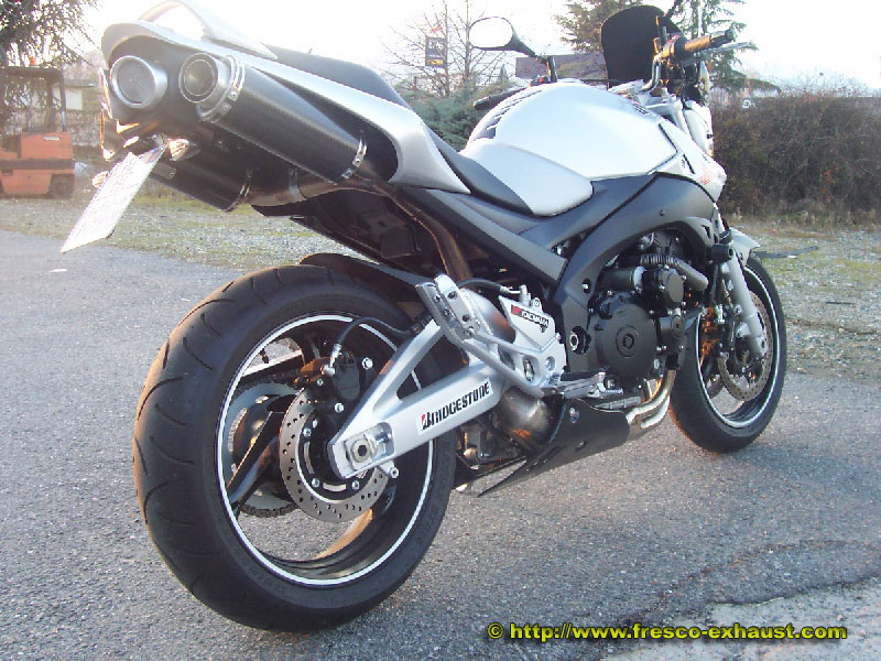 GSR600 Double rond court carbone